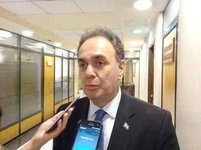 Senador colorado admite que Cartes no teme confesión de Messer