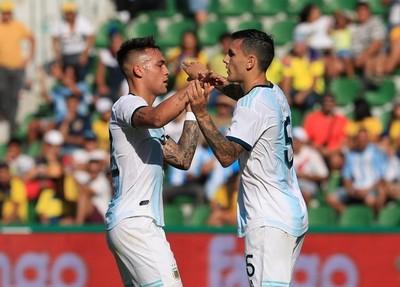 Argentina golea a Ecuador en Elche