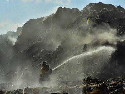 Bomberos controlan incendio en Cateura y se evalúa daño ambiental