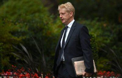 Hermano del Primer Ministro británico renuncia ante diferencias sobre Brexit