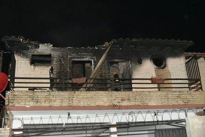 Hablan de incendio provocado en vivienda de Roque Alonso