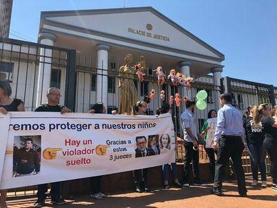 Prohíben manifestación contra cuestionados magistrados esteños