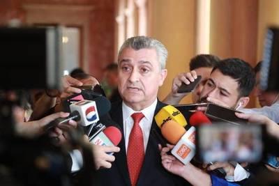 Villamayor asume jefatura de gabinete y dispara: policías se niegan a pasar por detector de mentiras, dice