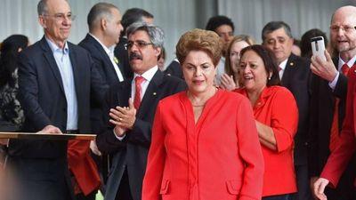 Se reabre investigación por corrupción contra Dilma