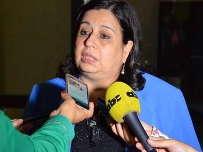 Senadora trata de 'inútil' a Mario Abdo porque no comprende la realidad social y política del país