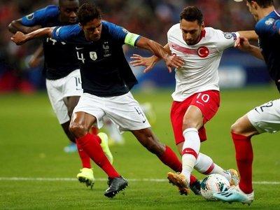 Francia se atasca ante Turquía
