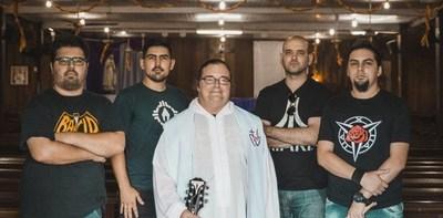 Banda de rock cristiano ofrece concierto en Manzana Abierta