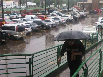 Ambiente inestable persistirá durante jornada del martes, según Meteorología