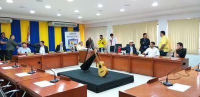 Concejales hacen el vacío al hijo de Gonzales Daher en sesión de la Junta de Luque