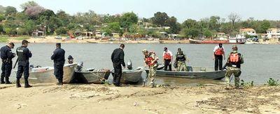 Fiscales y militares navales desalojan a pescadores de la isla San Francisco