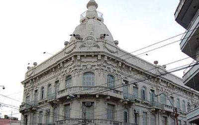 Senado analiza superar límite de endeudamiento del Estado