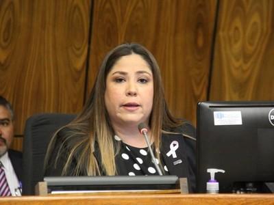 Petropar toca muchos intereses, dice Patricia Samudio