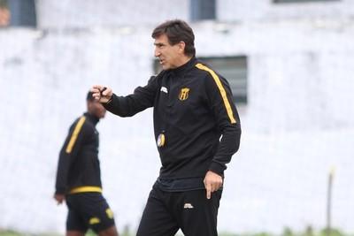 Gustavo Costas tiene el equipo para la Copa Paraguay