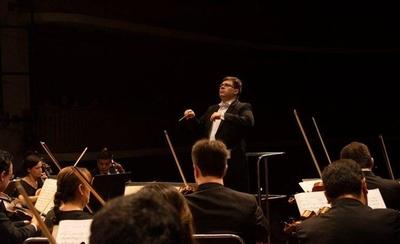 HOY / Stefano Pavetti se presenta al frente de la Orquesta de Cámara Municipal de Asunción