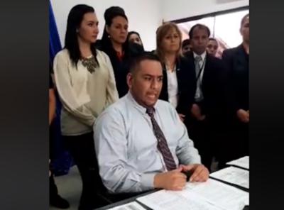 """Miguel Godoy acusó a Defensor Adjunto de ser un """"haragán"""""""
