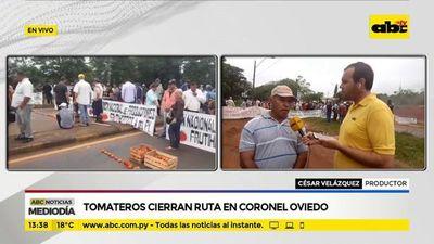 Tomateros cierran ruta en Coronel Oviedo
