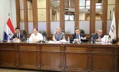 HOY / Caso de jueces que liberaron a expolicía acusado de violación no pudo ser tratado en el JEM