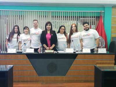 Lanzamientos de los Juegos Universitario de la UNA