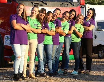 Mujeres camioneras se abren camino en territorio masculino