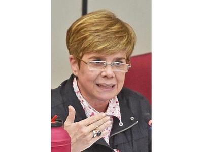 El plan de Cartes es volver a ser presidente, según Desirée
