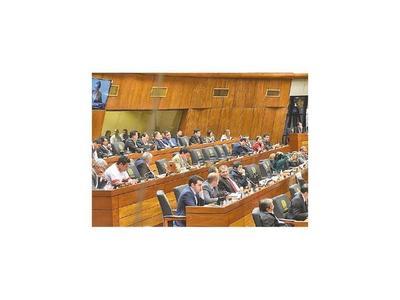 Gobernadores piden reasignación de los montos para atender salud y educación