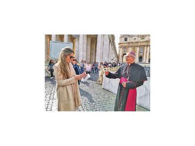 Papa elige a  Mons. Valenzuela para redacción de documento