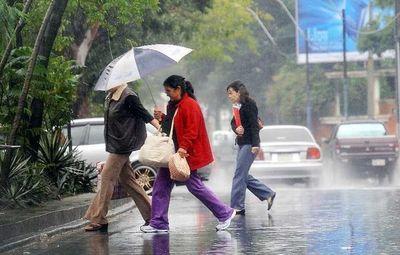 Pronostican una jornada lluviosa e inestable, con tiempo cálido
