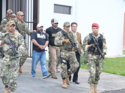Expulsan a jefe narco del país
