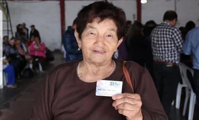 BNF entregará desde hoy tarjetas de débito a adultos mayores de Ñemby