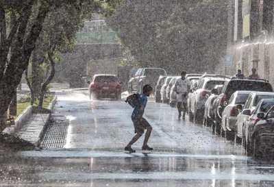 Pronostican mitad de semana fresca a cálida, con lloviznas