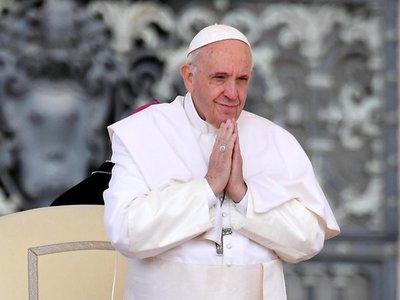 """Francisco: """"Lo que desperdiciamos es el pan de los pobres"""""""