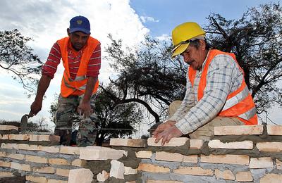 MUVH e INC acordarán cemento más barato para construcción de viviendas