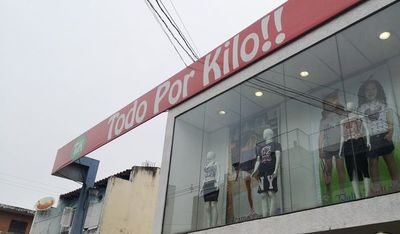 Allanan conocida tienda de ropas por supuesta evasión de impuestos