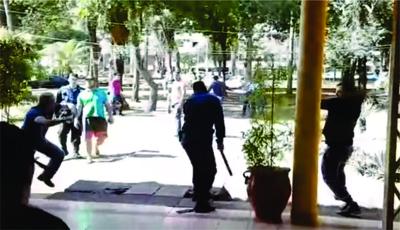 """Hombres de Prieto """"invaden"""" Junta Municipal de CDE"""