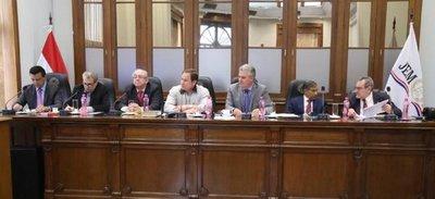 Suspenden a jueces que liberaron a condenado por abuso en CDE