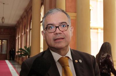 Radiado del poder: Ullón vuelve a su banca de concejal