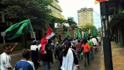 Campesinos preparan manifestación contra política de represión del Gobierno