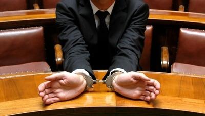 ¿Porqué supuestos corruptos pueden candidatarse a cargos en Paraguay?