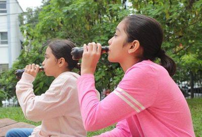 Nuestros niños engordan e igual no cambian sus hábitos