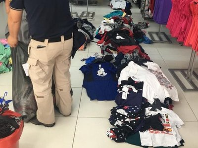 Fiscalía investiga esquema de supuesta evasión en venta de ropas