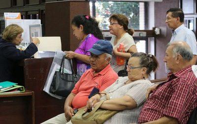 Pensión no contributiva en Paraguay llega al 42%