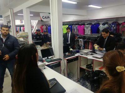 Intervinieron locales de prendas y hablan de una millonaria defraudación