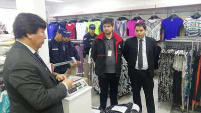 Fiscalía investiga esquema de lavado de dinero tras modalidad de venta de 'ropa por kilo'