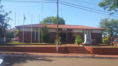 DENUNCIA DE SUP. ESTAFA A FUNCIONARIA UNIVERSITARIA DE HOHENAU