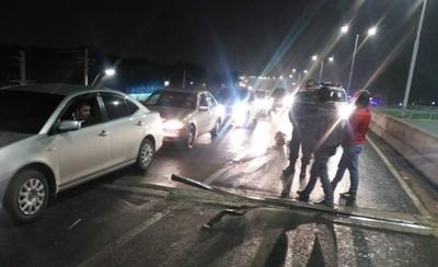HOY / Conductores afectados por falla de viaducto serán resarcidos