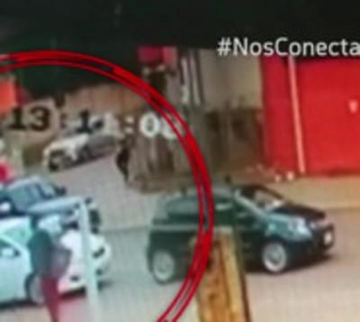 Imprudencia fatal: Quiso adelantarse, atropelló a una mujer y la mató