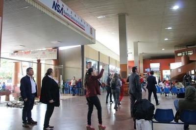 Junta aprueba nuevos precios para servicios de parada de buses