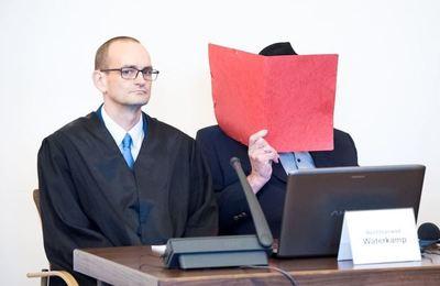 Alemania: Arranca uno de los últimos juicios a un guardián de campo nazi