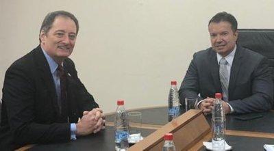 EE.UU lleva respaldo a Arregui, cuya cabeza reclama el cartismo