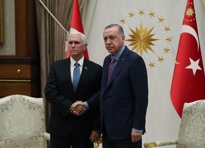 Turquía y EE.UU. acuerdan retirada de milicias kurdas del noreste de Siria